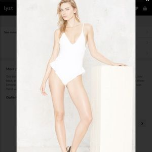 1️⃣✅ Nadia ruffle swimsuit